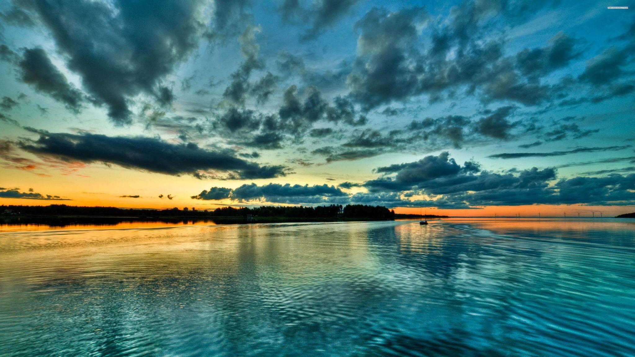 Ảnh nền pc 4k xinh đẹp của biển vào sáng sớm